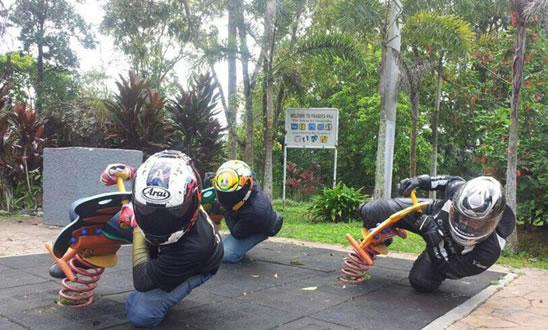 Immagine Motociclisti Divertenti: Immagine Motociclisti Divertenti